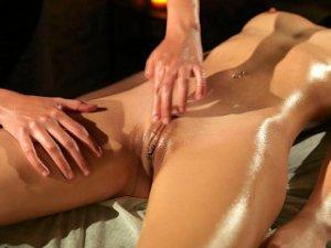 Yoni-Massage, Venuslippen, Vulva, Labien, Klitoris